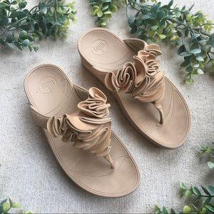 FitFlop Frou Ruffle Thong Sandal Sz 7